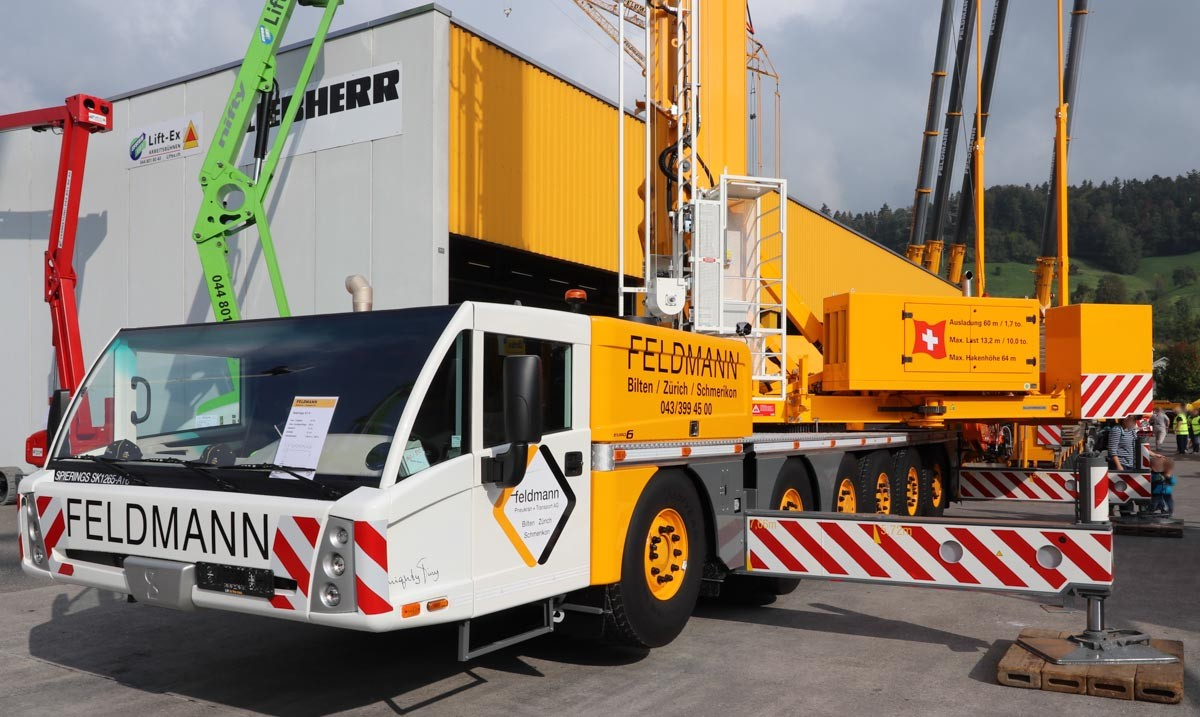 Visit to feldmann pneukran transport ag for Feldmann mercedes benz