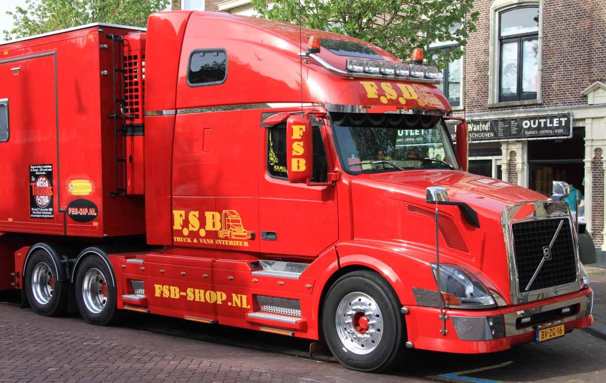 Volvo VNL 670 - F.S.B. :: www.trucks-cranes.nl